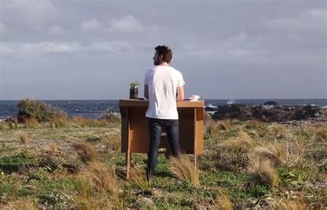 bureau nomade tendance design un bureau nomade pour travailler où vous