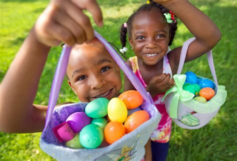 6 eggnormous easter egg hunts in the hill country you 839 | Children hunting Easter eggs