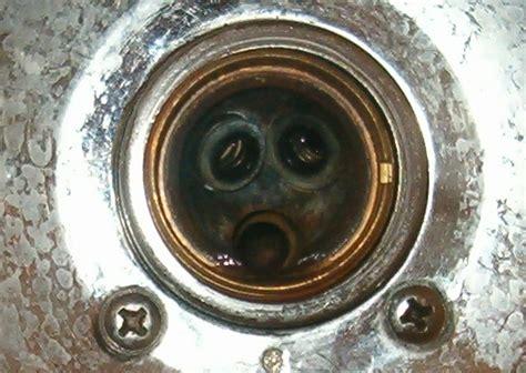 delta  single handle shower repair