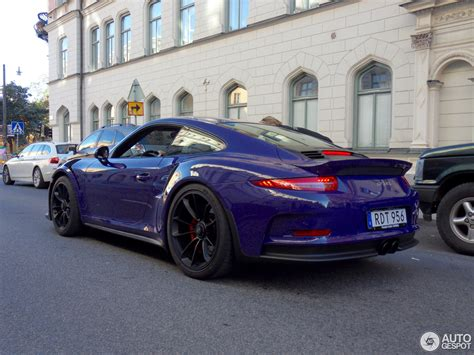 The rear wing, for instance, provided a load of 220 kg. Porsche 991 GT3 RS - 19 September 2016 - Autogespot