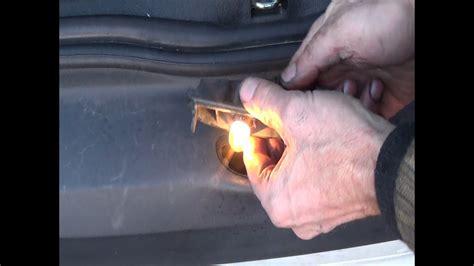 reparer  connecteur electrique declairage de plaque
