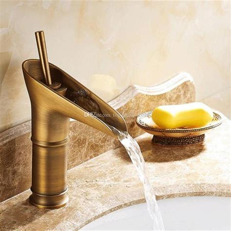 2018 Antique Brass Copper Swivel Kitchen Sink Bathroom