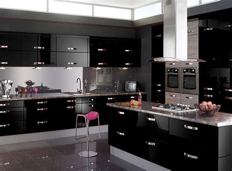 black gloss kitchen ideas preto na cozinha pode causar estranheza em um primeiro