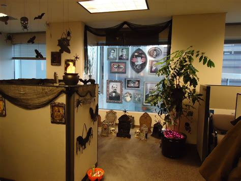 office cubicle decorating contest challenge