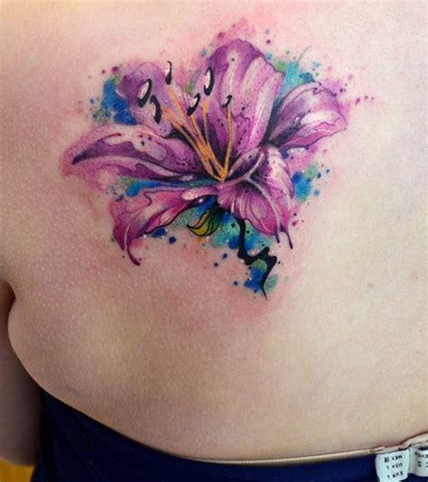 flor en acuarelas  javi wolf tatuajes  mujeres