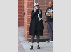 Diane Keaton rocks youthful flatbill cap and quirky
