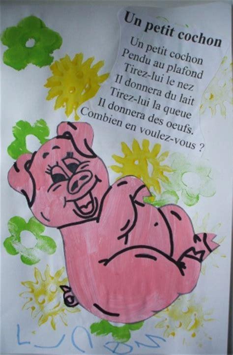 le petit cochon pendu au plafond comptines