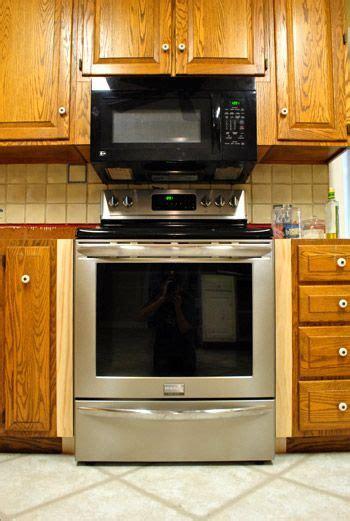 filling gaps   stove  trim