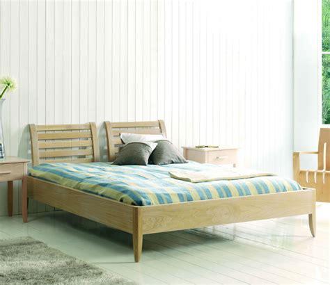 chambre en bois massif chambre adulte en bois massif chaios com