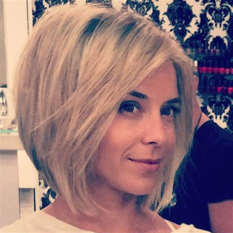 glamorous bob hairstyles  fine hair easy short hair