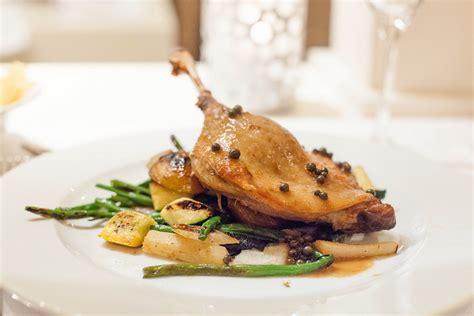 cuisiner du magret de canard le canard clou de la gastronomie française yapaslefeuaulac ch