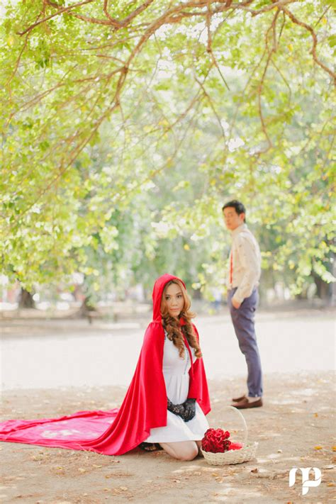 fairy tale themed engagement shoot  michelle pineda