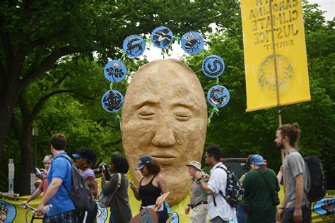 People's Climate Change March, protesters confront Trump ...
