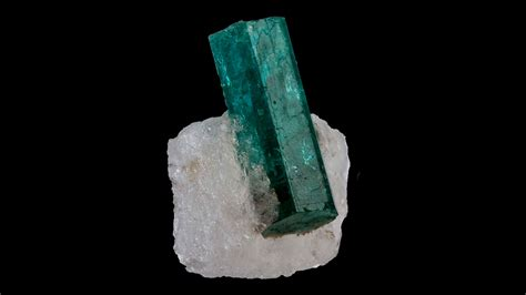 beryl properties  meaning  crystal information