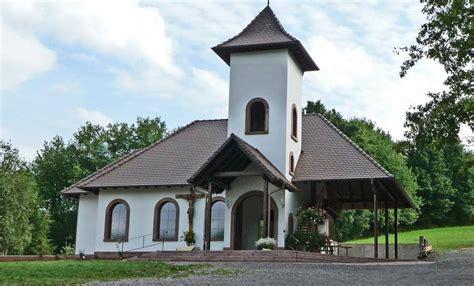 Einfamilienhaus Kapelle Mit Zementfliesen by Hier In Der Friedenskapelle In Annweiler Oratorum