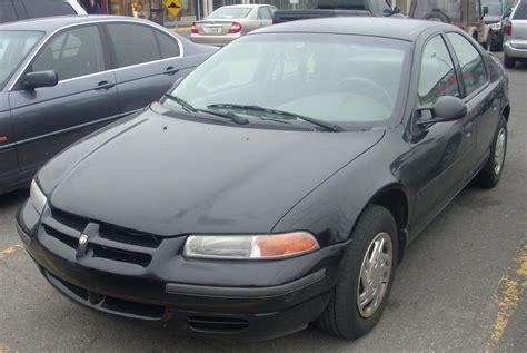 1995-96 Dodge Stratus.jpg