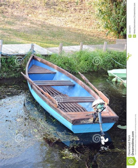 Row Boat Engine by Wooden Row Boat With Motor Www Imgkid The Image