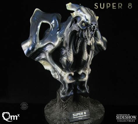 super  super  alien collectible bust  quantum mechanix