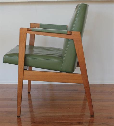 W H Gunlocke Chair Co Antique Vintage 1950s W H Gunlocke Chair Co Mid Century Modern Chair Walnut And Green Leather
