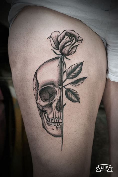 tatuaje de una calavera  una rosa de dani cobra
