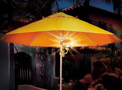 battery powered umbrella light cls to patio umbrella