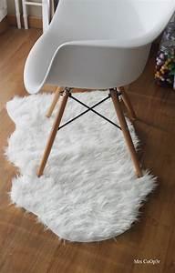 Tapis Fourrure Ikea : les 25 meilleures id es concernant tapis de mouton sur ~ Teatrodelosmanantiales.com Idées de Décoration