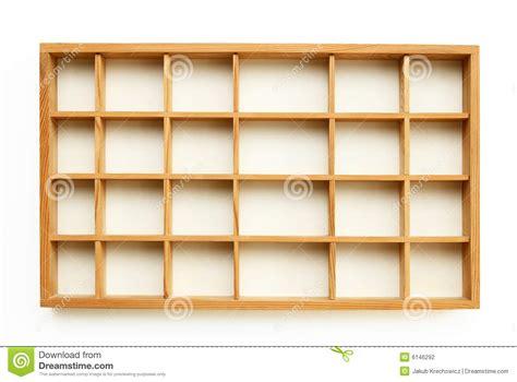 piccole mensole piccole mensole di legno fotografia stock immagine di