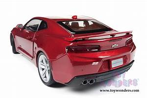2016 Chevy® Camaro® SS™ Hard Top AW230 1/18 scale Auto