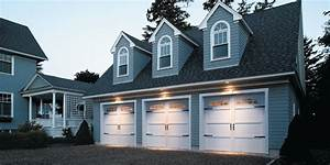 Use Your Garage Door To Increase Curb Appeal