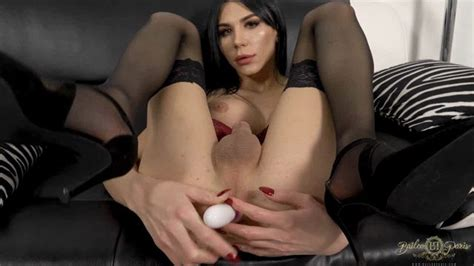 Bailee Paris Couch Toy Play 12 05 2019 Porno Videos Hub