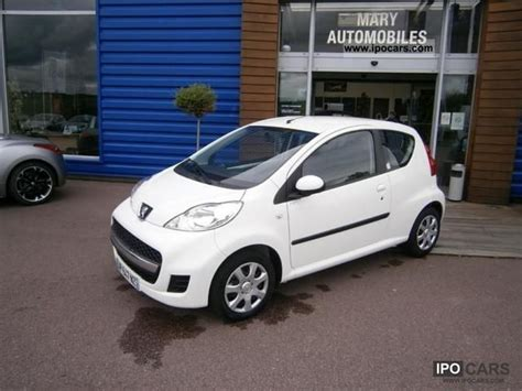 peugeot little car 2010 peugeot 107 1 0 12v trendy 3p car photo and specs