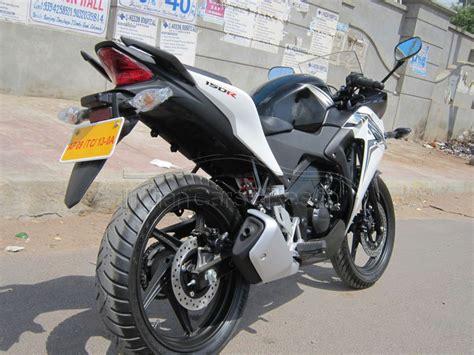 honda cbr 150r black and white 2015 honda cbr 150r spied indian cars bikes