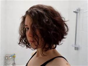 Comment Se Couper Les Cheveux Court Toute Seule : tutoriel se couper les cheveux au carr plongeant ~ Melissatoandfro.com Idées de Décoration
