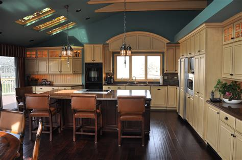 how to choose kitchen cabinets choosing your kitchen colors cabinets by graber