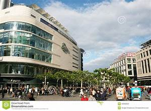 The Zeil Street editorial image. Image of famous, crowd ...