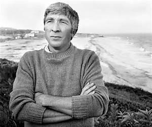 John Updike Biography - Childhood, Life Achievements ...  John