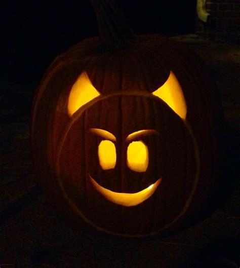 Emoji Pumpkin Carving by 1000 Ideas About Pumpkin Emoji On Pinterest Pumpkins