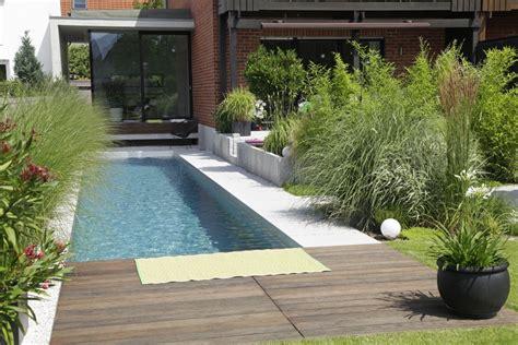 Ideen Für Kleine Reihenhausgärten by Biotop Living Pool Tout En Longueur Au Paradis