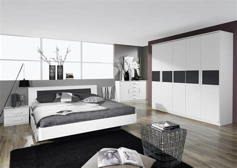 photo chambre lit adulte design avec chevets coloris blanc carcassonne