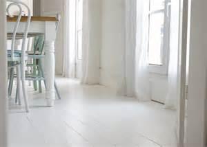 peindre son parquet en blanc le mode d emploi le blog