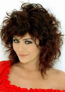 Carré Court Frisé : carre plongeant long cheveux frises ~ Melissatoandfro.com Idées de Décoration