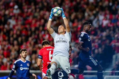 Há um jogador do Benfica a agitar o mercado: conheça os ...