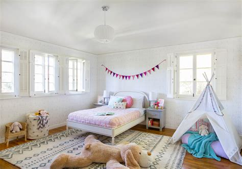 Little Girl's Playful Bedroom Reveal