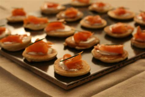 Cuisiner Du Saumon Frais - amuses bouche livrés à domicile prêts à être dégustés