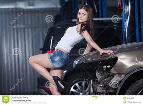 Frau In Garage and in garage stock image image of