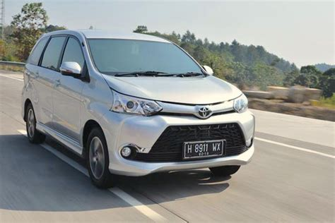 indonesia august 2015 new toyota avanza and daihatsu dominate best selling cars