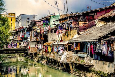 jakarta kota metropolitan  budaya kampung oleh
