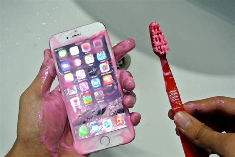 to clean iphone how to clean your iphone