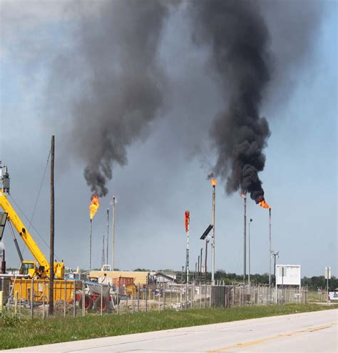 power outage caused upset  phillips  refinery