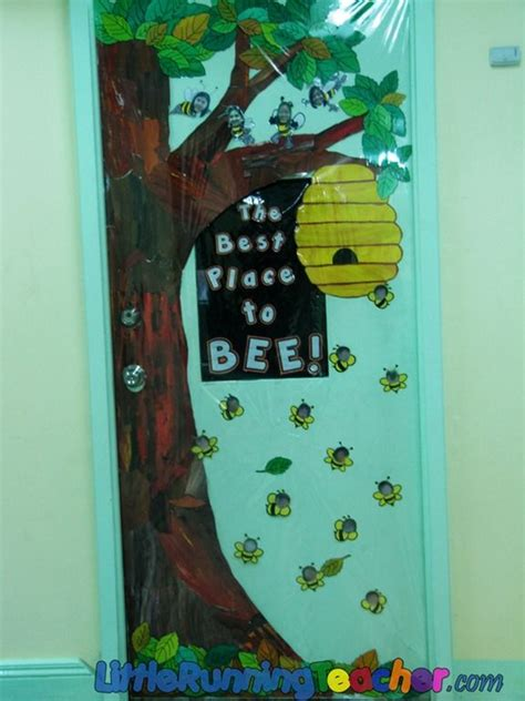 decorating an elementary school for christmas 93 best elementary classroom doors images on door decorated doors and